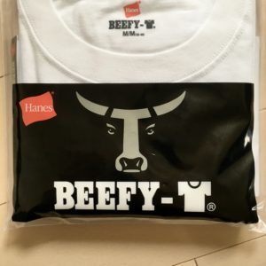 ヘビーウェイトの定番ビーフィーTの牛のデザイン