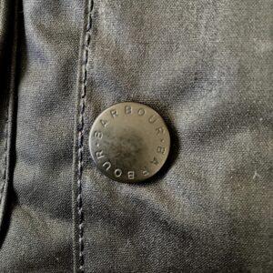 バブアービデイルのボタン