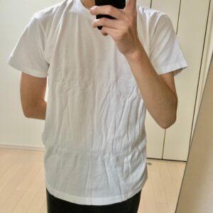 肩と袖はジャストなジャパンフィットのサイズ感