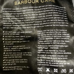 バブアーのオイルドジャケットは洗濯してはいけない